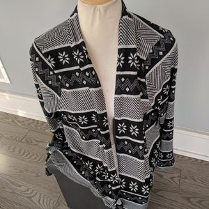 Sweatterete cardigan brand new
